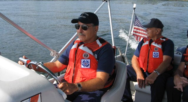 picture of two Members on patrol in Lake Hopatcong