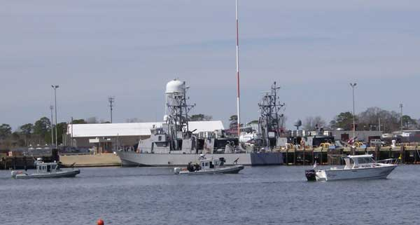 image of Coast Guard and Coast Guard Auxiliary boats during joint operations
