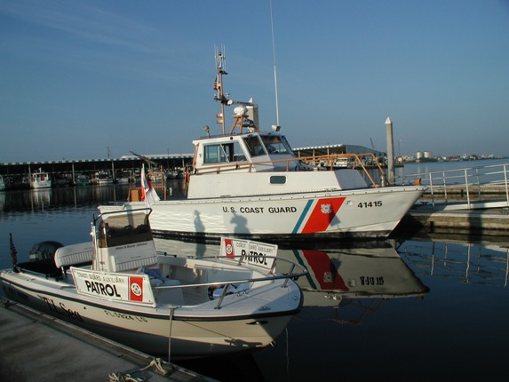 Team Photo Auxiliary and Coast Guard Vessels