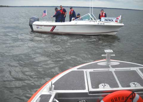 CG AND AUX BOAT TOWING